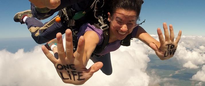 costa rica vue unique et exceptionnelle pendant le saut en parachute