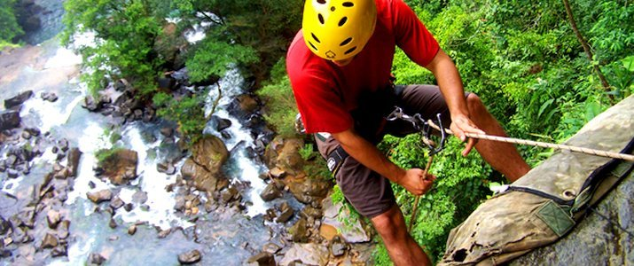 Diamante Verde Waterfalls - Pacific Journeys - Descente en rappel