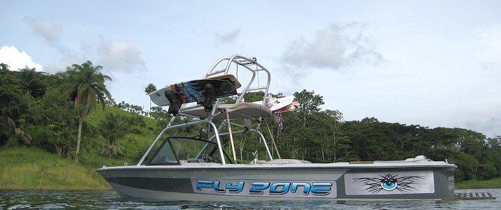 FlyZone Lac Arenal Puerto San Luis Tilaran Bateau
