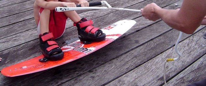 FlyZone Lac Arenal Puerto San Luis Tilaran Wakeboarding Wakeskating Wakeboard Wakeskate Ski Nautique Enfants