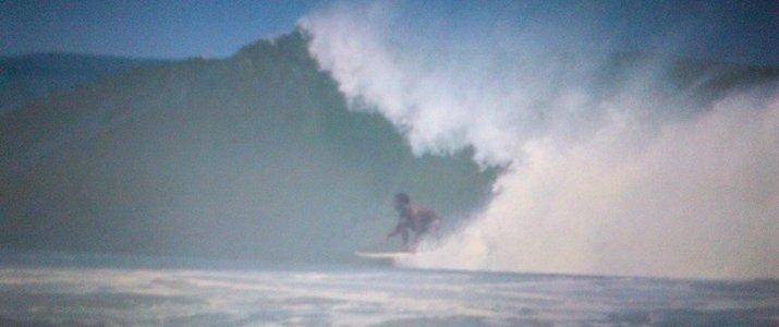 Caribbeans Surf School and Shop Caraïbes Sud Playa Cocles Puerto VIejo de Talamanca Limon Grosse Vague Tube