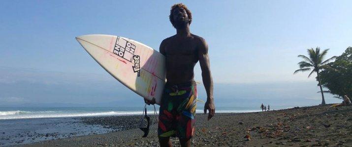 Caribbeans Surf School and Shop Caraïbes Sud Playa Cocles Puerto VIejo de Talamanca Limon Plage planche Hershel
