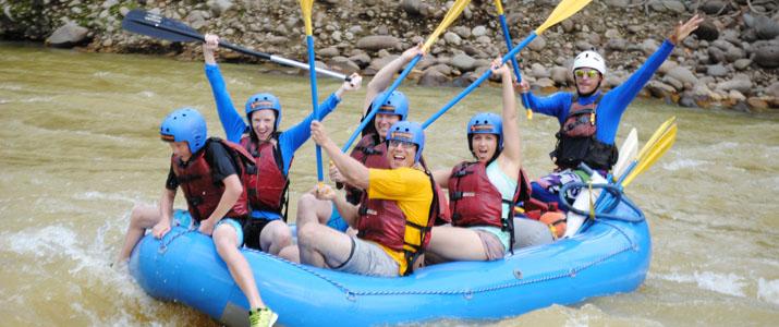 Aguas Bravas rafting bonheur famille