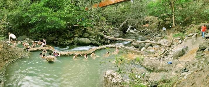 Rio Negro Rincon de la Vieja Hacienda Guachipelin Adventure Tours Volcan Bassins Eau Thermale Rivière Activité