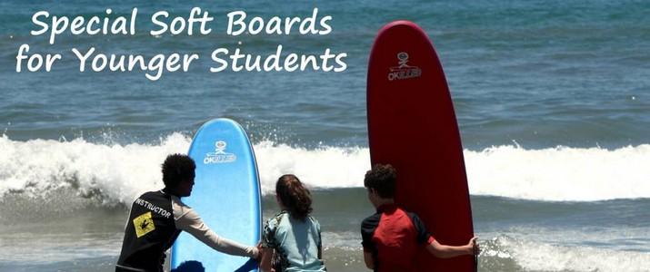 C&C surf planche cours enfants mer sable