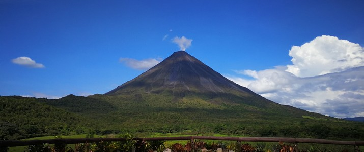 Arenal 1968 Volcan