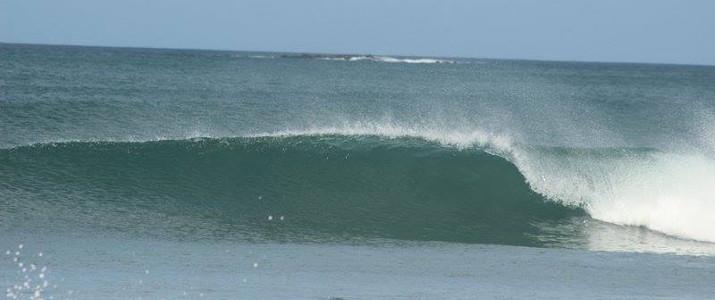 Point Break Surf School surf vague