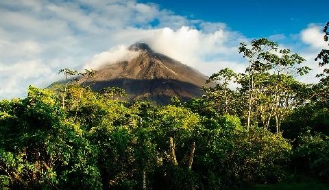 volcans costa rica, chaîne de volcans, poas, arenal, chirripo, miravalles, cratères, orosi