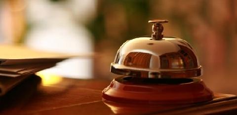 réservation hôtels, réserver à l'avance, saison haute basse, 200 hôtels sympas, carte premium, réduction hôtels,