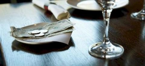 pourboires, taxes, 13%, 10%, restaurant, service,