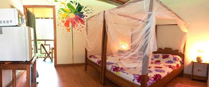 Blue conga Caraïbes Sud Puerto Viejo de Talamanca chambre lit double moustiquaire