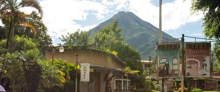 Vagabondo Arenal La Fortuna Hotel Volcan