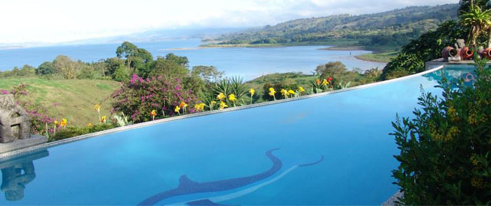La Mansion Inn Nuevo Arenal Lac Volcan Piscine Débordement