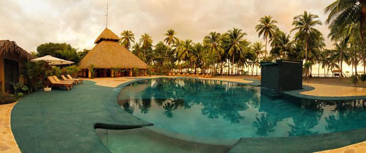 Clandestino Beach Resort Pacifique Centre Parrita Piscine Palmiers