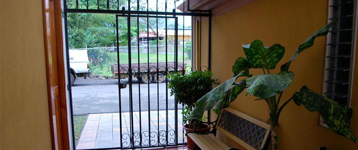 Cabinas y Soda El Rio La Fortuna Hotel Façade Entrée
