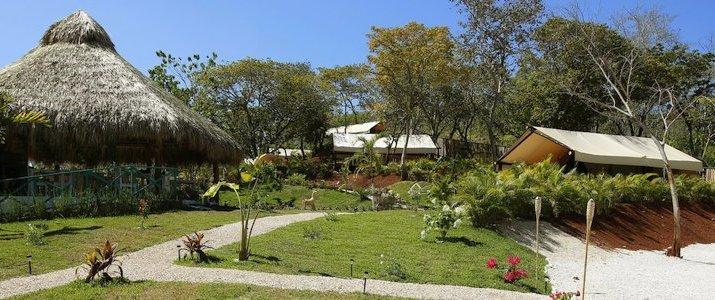 Flor y Bambu Guanacaste Playa Grande Glampling Entrée