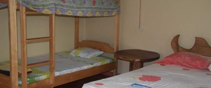 San Isidro del General Ujarras Rocas Calientes Chambre