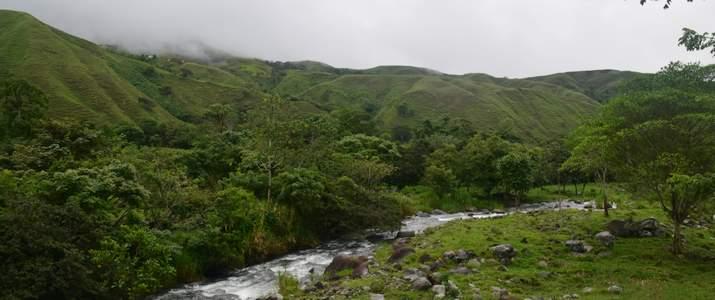 San Isidro del General Ujarras Rocas Calientes Rivière