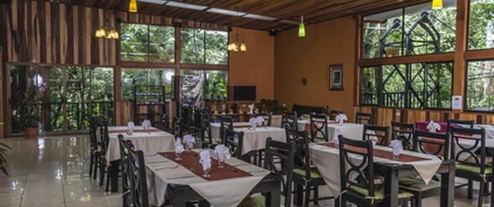 Jaguarundi Lodge restaurant