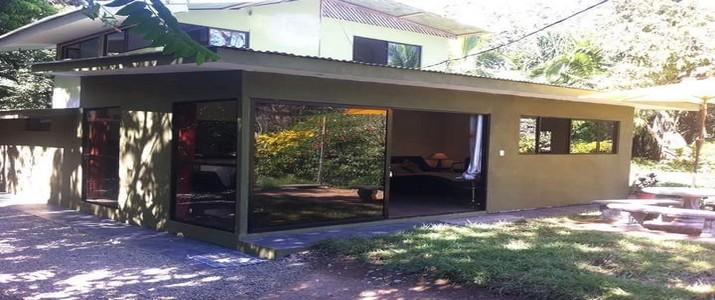Charlie's Jungle House Playa Matapalo bungalow