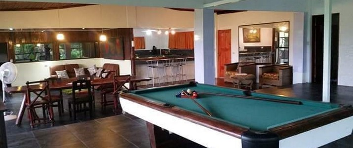 Charlie's Jungle House Playa Matapalo restaurant