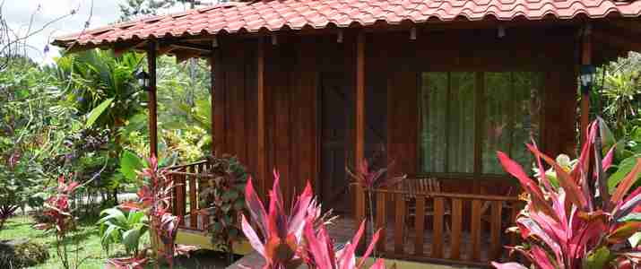 Hotel Rancho Cerro Azul La Fortuna bungalow
