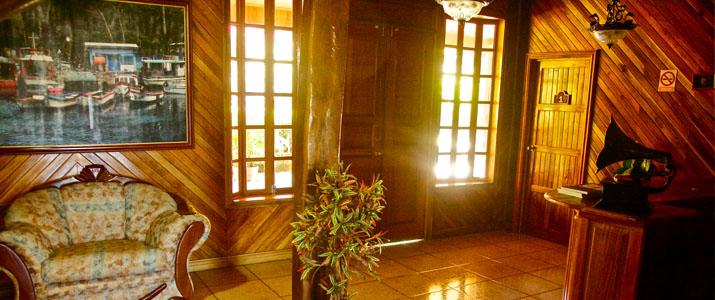 Santa Elena Lodge Guanacaste Bahia Salinas réception bois