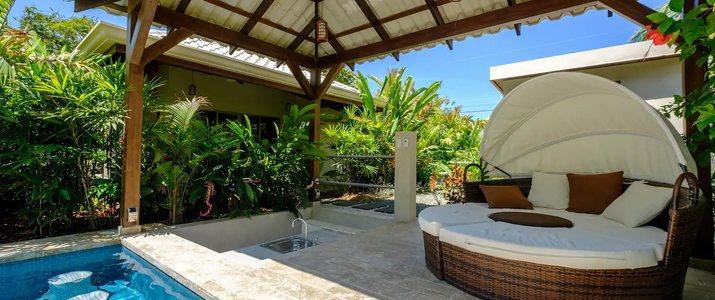 J5 Luxury Villa_piscine