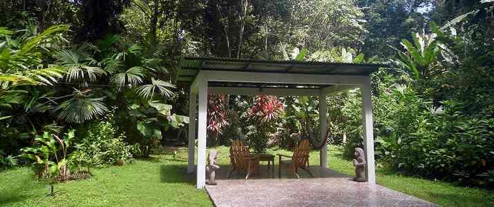 El colibri lodge Caraïbes sud Manzanillo bungalow en pleine nature forêt