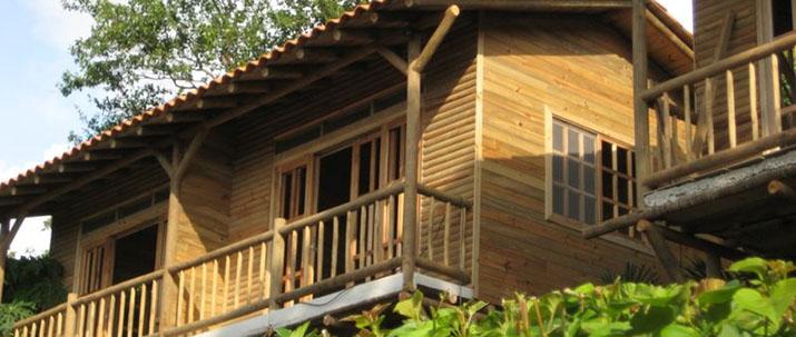 Blue Dream Guanacaste Bahia Salinas maison bois pilotis