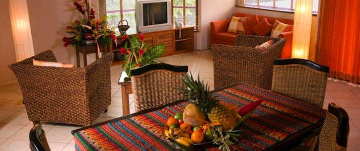 Villa del Sueño chambre table en bois