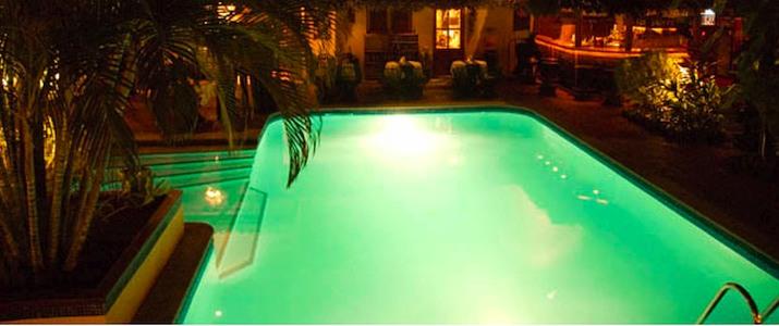 Villa del Sueño piscine de nuit